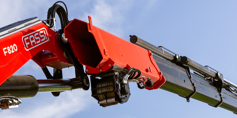 FASSI lorry mounted crane winch system