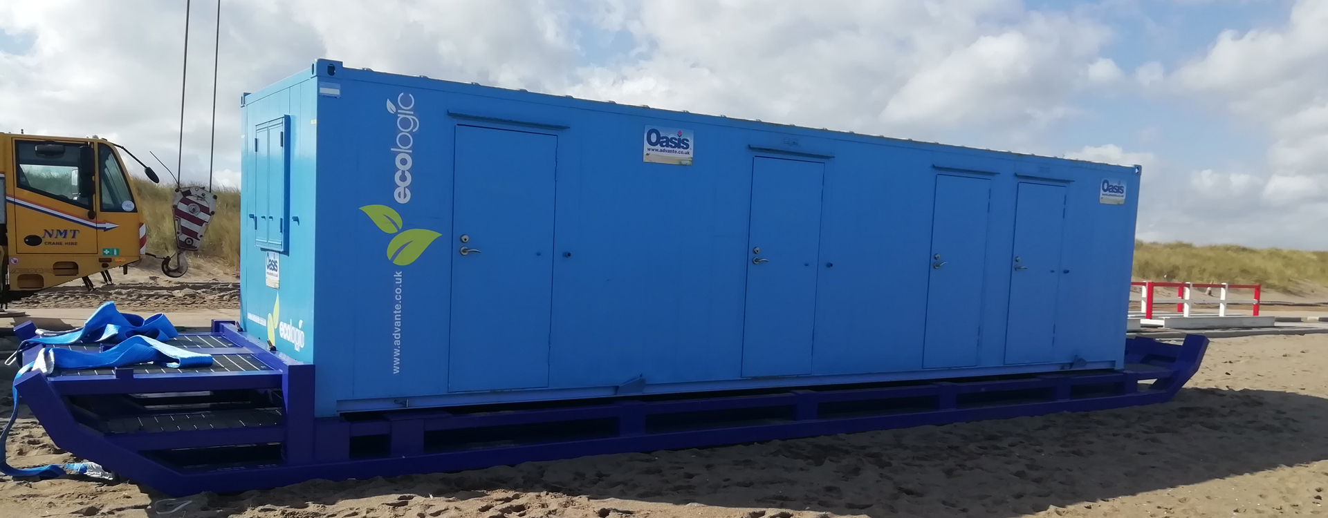 Oasis welfare unit on beach sledge for low tide work